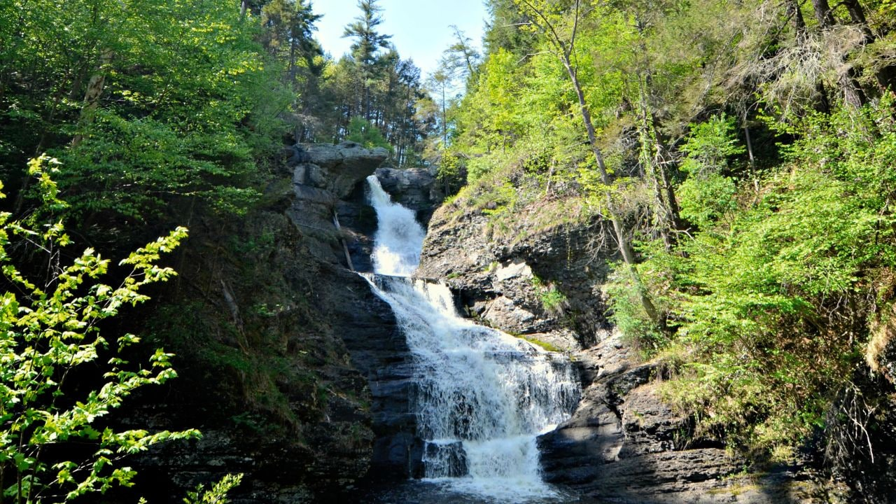 Middle and lower cascades of the Raymondskill Falls.